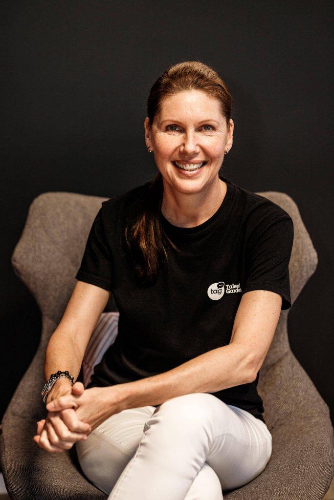 Petra Hauser, Geschäftsführerin Talent Garden Austria, moderiert am Conference Day der JETZT Recruiting ein Panel zum Themenfeld Künstliche Intelligenz im Personalmarketing.
