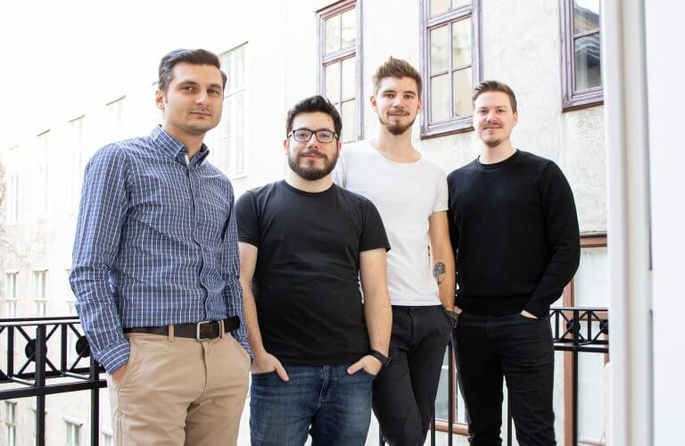 Armin Petre (Web Development), Matthias Hamernik (Projektmanagement), Dominik Radl (Web Development) und Benjamin Vasek (Art Director) von Ja & Armin
