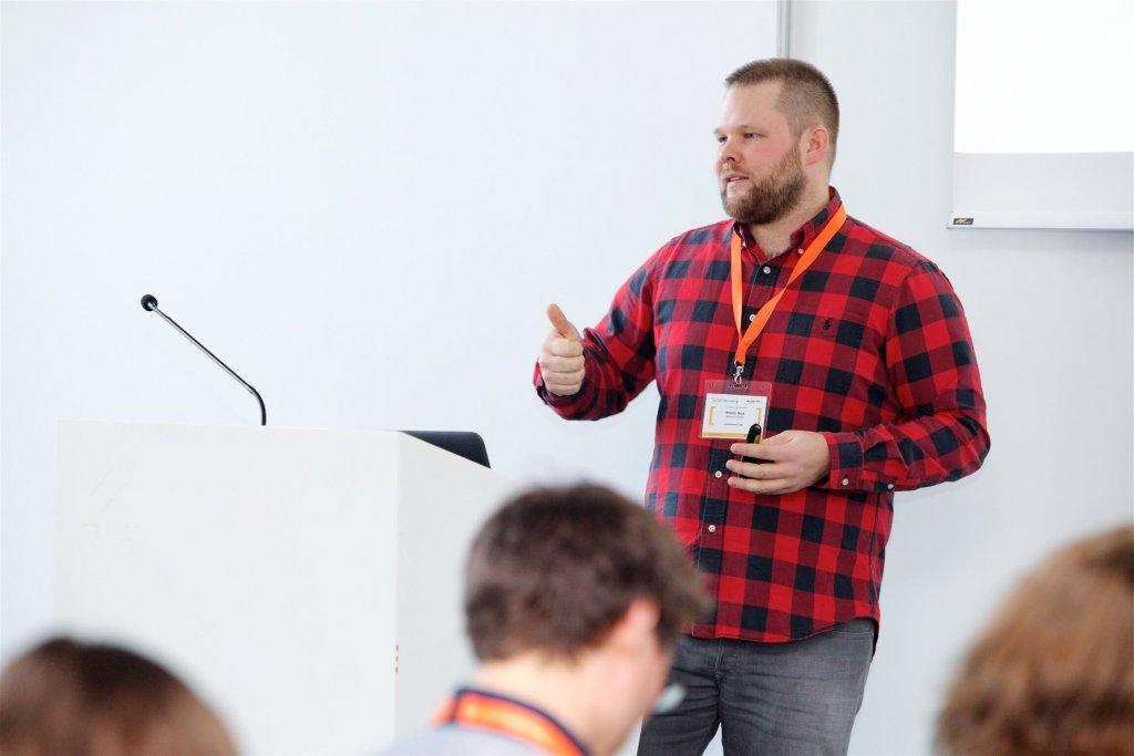Moritz Beck, Founder und Geschäftsführer der Agentur memacon, präsentierte am Conference Day der JETZT Recruiting Best Cases im Recruiting – etwa für den Retail-Riesen Migros.