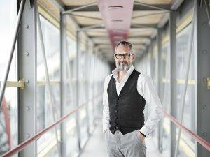 Christian Rausch, Marketingleiter von BILLA, stellt sich am Conference Day der JETZT Video im Rahmen eines Fireside-Chat den Fragen von IP-Geschäftsführer und IAA-Austria-Präsident Walter Zinggl.