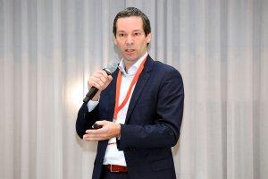 """Mag. Volker Knestel, geschäftsführender Gesellschafter der Vality Management GmbH, Aufsichtsratsmitglied der NÖ Landesgesundheitsagentur und Mitglied des Strategieausschusses, hielt bei der Premiere der pharma marketing academy die Keynote mit dem Titel """"e-Rezept – Status und Ausblick""""."""