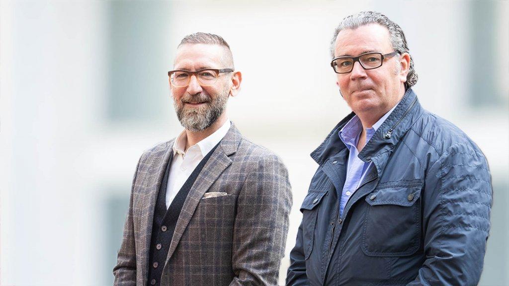 Bernd Platzer und Maximilian Mondel, die beiden Gründer der Kommunikationsagentur MOMENTUM Wien.
